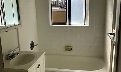 Bathroom, 3621 S Pacific Ave, 1