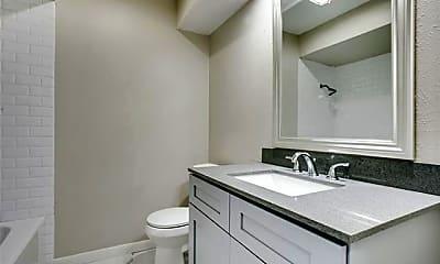 Bathroom, 5102 Lakeridge Ct, 2