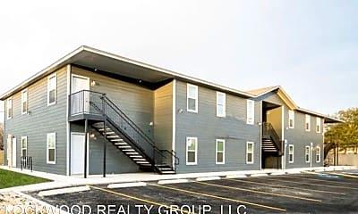 Building, 8111 Landing Ave, 1
