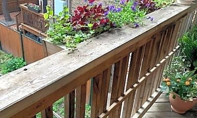 Patio / Deck, 5608 N Kenmore Ave 3, 2