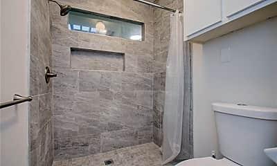 Bathroom, 3109 Bissonnet St, 2