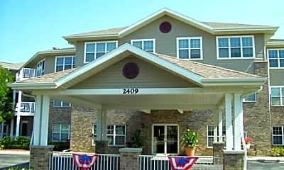 Marquette Manor Apartments, 2