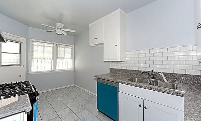 Kitchen, 104 E Lomita Ave, 2