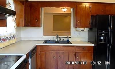 Kitchen, 340 Thorncliff Dr, 2