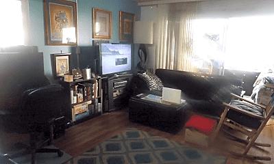 Living Room, 411 Kaiolu St, 1