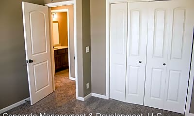 Bedroom, 5233-5201 N 15th St, 2