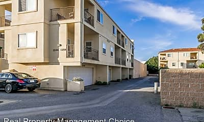 Building, 1254 Engracia Ave, 1