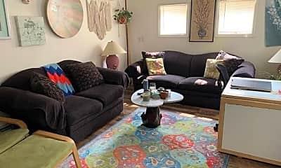 Living Room, 2937 Albany Post Rd 2, 1