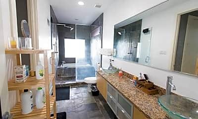 Bathroom, 1610 Bastrop St, 2