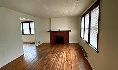 Living Room, 1004 Gordon St, 1