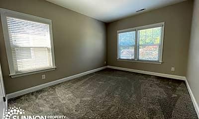Living Room, 733 Herrin Ave, 2