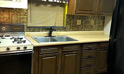 Kitchen, 147 W Crosier St, 0