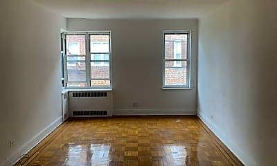 Living Room, 630 Victory Blvd 5C, 2