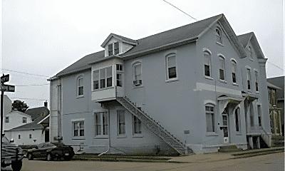Building, 830 Rhomberg Ave, 2