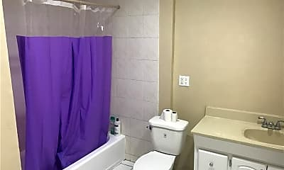 Bathroom, 14517 Victory Blvd, 2