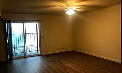 Living Room, 1019 Mechoopda St, 1