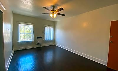 Living Room, 1350 W 4th St, 2