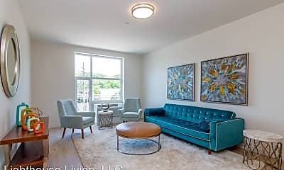 Living Room, 550 Halstead Ave, 2