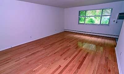 Living Room, 937 Highland Ave, 1