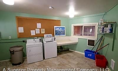 Kitchen, 163 NW Vicksburg Ave, 2