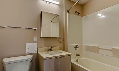 Bathroom, 735 West, 2