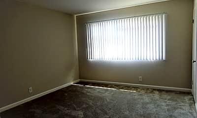 Living Room, 969 Elgin St, 2
