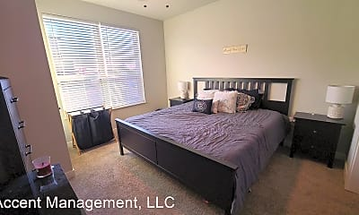 Bedroom, 124 Rosewood Ave, 2