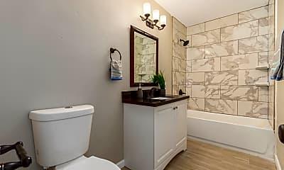 Bathroom, 721 W 3rd Pl, 2