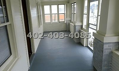 Bathroom, 4427 Leavenworth St, 2