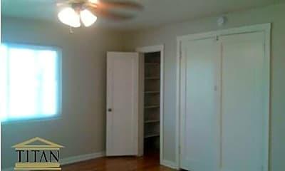 Bedroom, 1001 5th St, 2