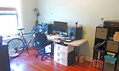 Living Room, 1753 W Winnemac Ave, 1