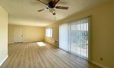 Living Room, 852 Fairview Ave, 1