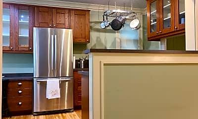 Kitchen, 4136 Queen Ave S Apt 102, 1
