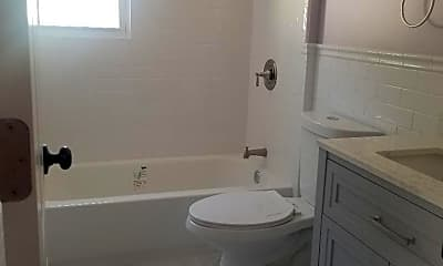 Bathroom, 456 Lincoln Blvd SIDE, 2