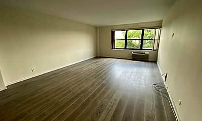 Living Room, 2352 Linwood Ave 5C, 1
