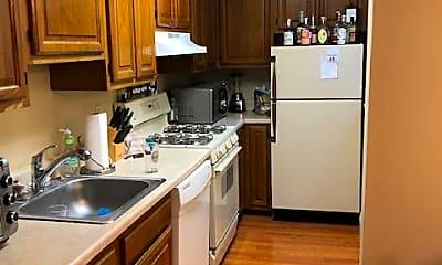 Kitchen, 914 Western Ave, 1