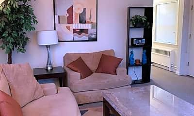 Living Room, 2100 N Star St, 0