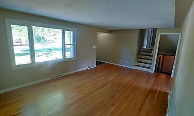 Living Room, 1425 W 43rd St, 1