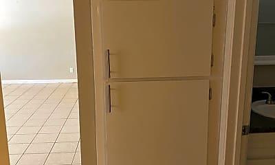 Bathroom, 5110 N 21st Ave, 2