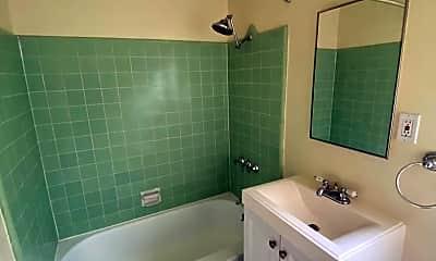 Bathroom, 1834 N Harvard Blvd, 1