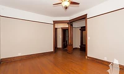 Bedroom, 1043 W Dakin St, 1