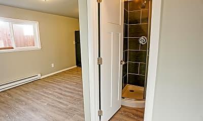 Bathroom, 5438 S Park Ave, 1