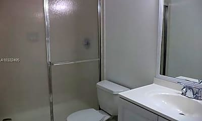 Bathroom, 10002 Winding Lake Rd, 2