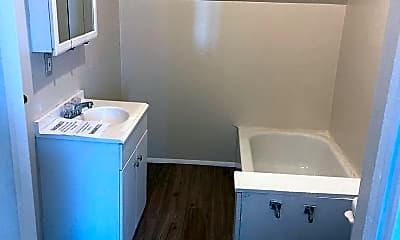 Bathroom, 426 Dexter St, 1