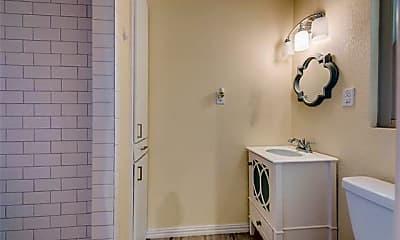 Bathroom, 735 James Dr, 2