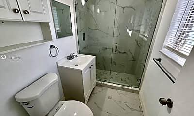 Bathroom, 218 Santillane Ave 18, 2