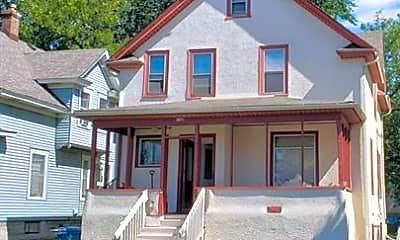 Building, 1108 16th Ave SE, 2
