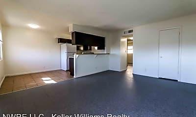 Living Room, 1404 E Mesquite Ave, 1