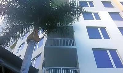 Vu New River Apartments, 2