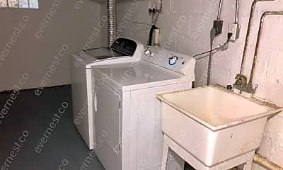 Bathroom, 518 Sheldon Ave, 2